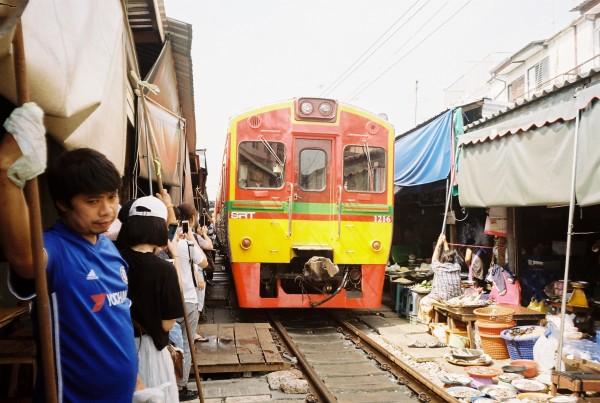 Maeklong Railway Market, Kodak Gold 200